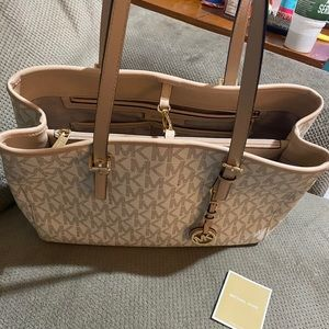 Large Michael Kors Jet Set Tote
